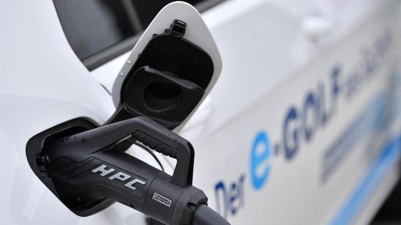 Verpflichtung zum Aufbau: VW-Betriebsrat fordert EU-Quote für E-Ladestationen