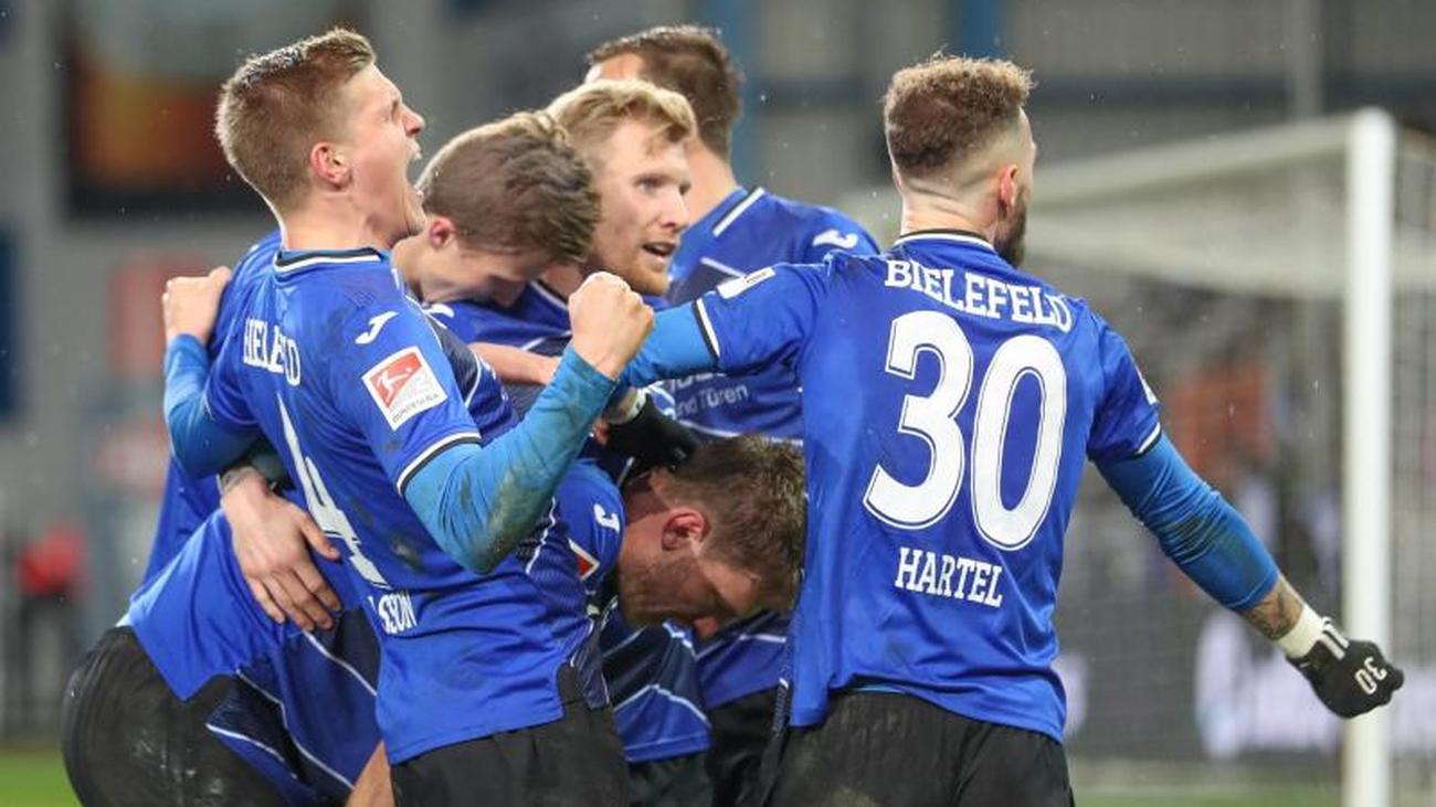 2. Liga: Bielefeld festigt Platz eins - St. Pauli und Hannover patzen