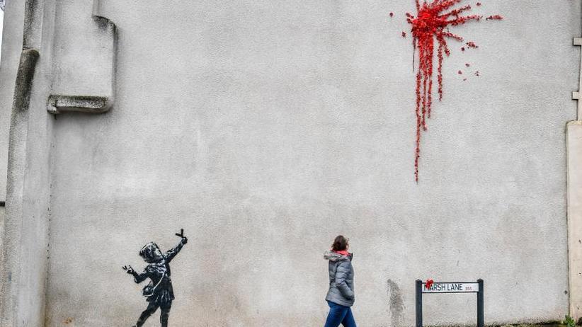 Wer ist der Künstler?: Berliner Galerie zeigt angebliches Banksy-Gesicht