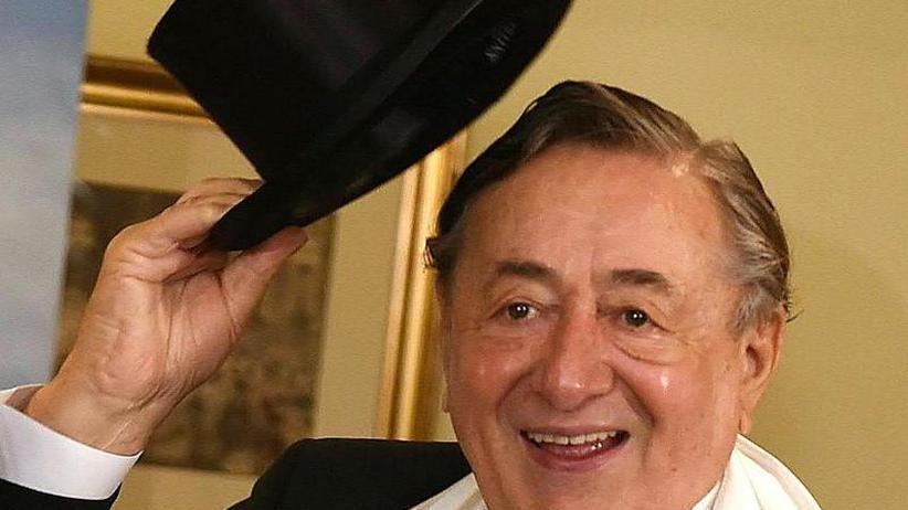 Die dritte Wahl: Ornella Muti begleitet Lugner zum Wiener Opernball