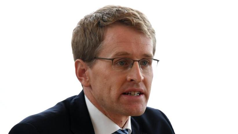 Diskussion über Neuaufstellung: Günther zur Zukunft der CDU: Im Wahlkampf auf Merkel setzen