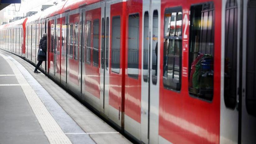 Coronavirus-Krise: Bahn schränkt Regionalverkehr ein - Keine Ticket-Kontrolle