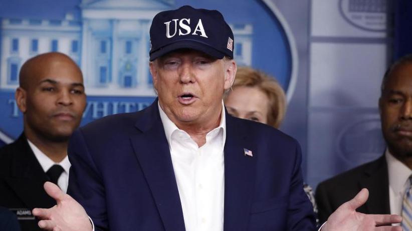 Trotz Kontakten: Weißes Haus: Trump nicht mit Coronavirus infiziert