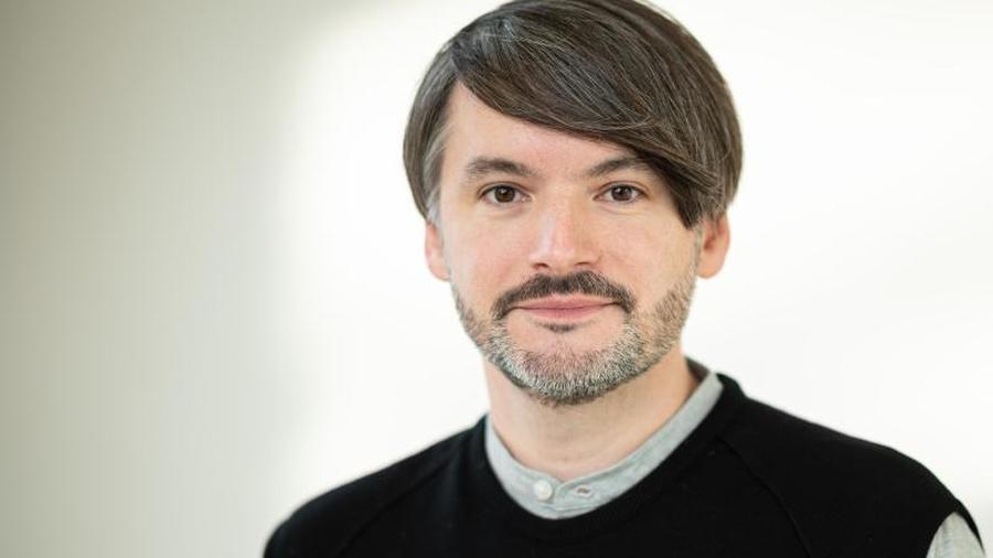 Online Sasa Stanisic Sammelt 17 000 Euro Mit Lesung Zeit Online