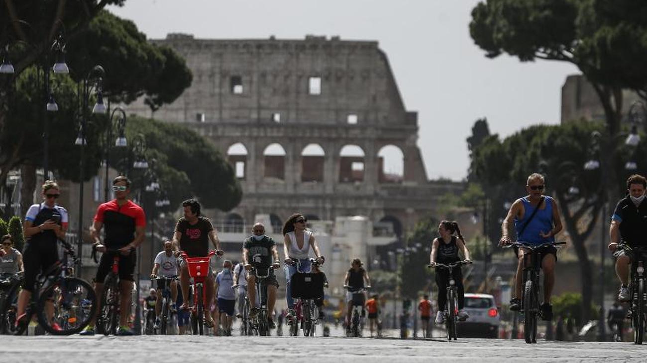 Keine Angst vor Schlaglöchern: Fahrrad-Boom im Autoland Italien