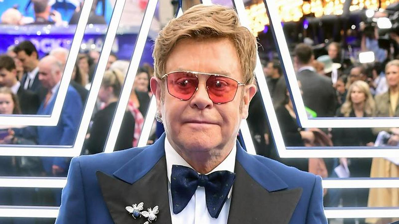 Elton John mit Gedenkmünze gewürdigt