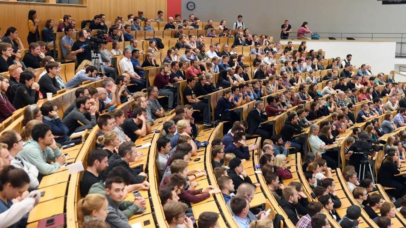 Absolventen zufrieden mit Studienqualität in Sachsen