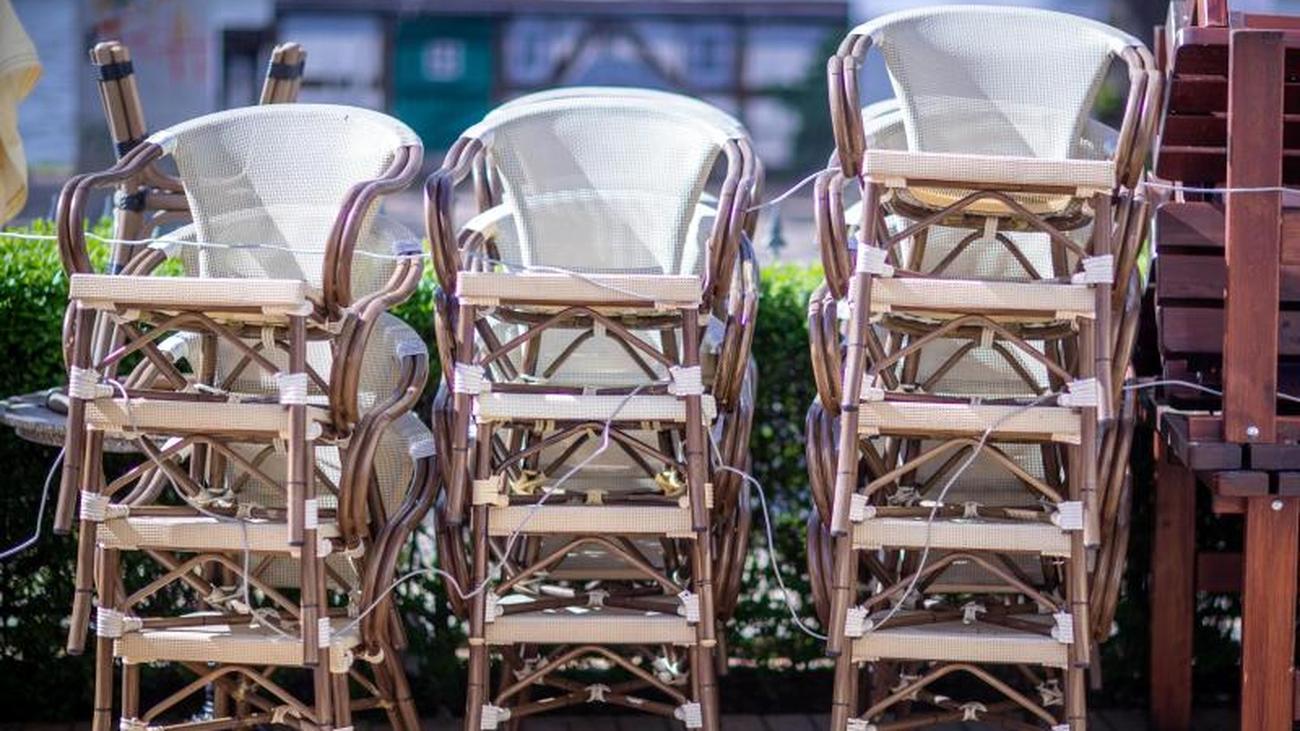 Gastro-Branche mahnt: `Leere Stühle` auf dem Neuen...