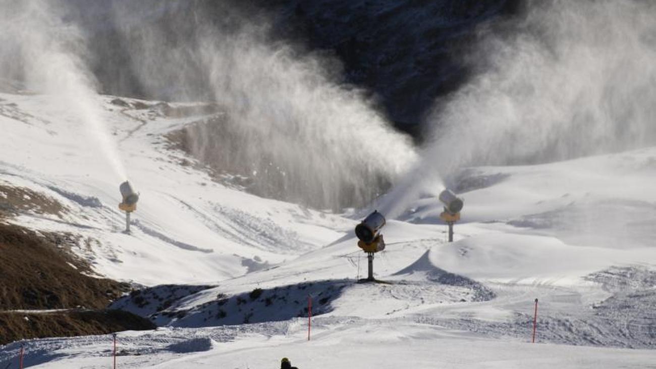 Österreich und Schweiz wollen Skifahren erlauben