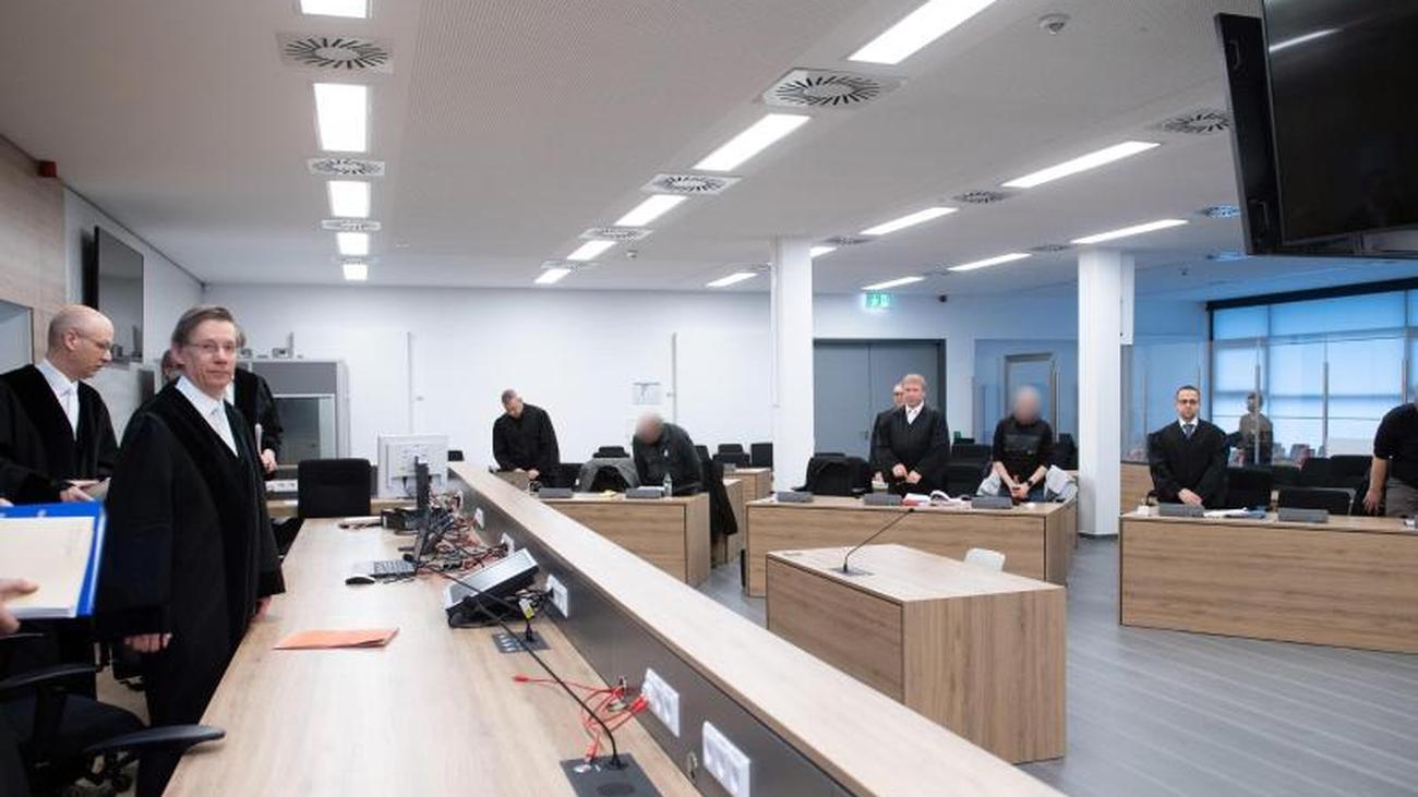 Staatsanwalt fordert Haftstrafen für rechte Terroristen