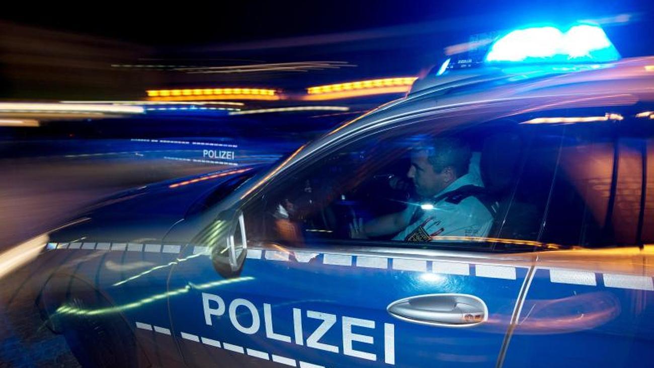 Kriminalität: Ergiebige Verkehrskontrolle: Autofahrer flüchtet