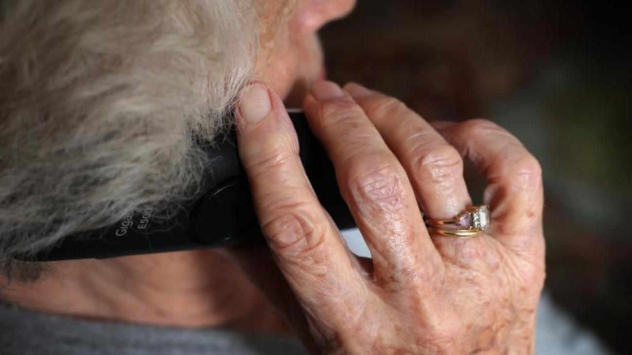 Gesundheit: Langsame Impftermin-Vergabe droht: Senioren verärgert