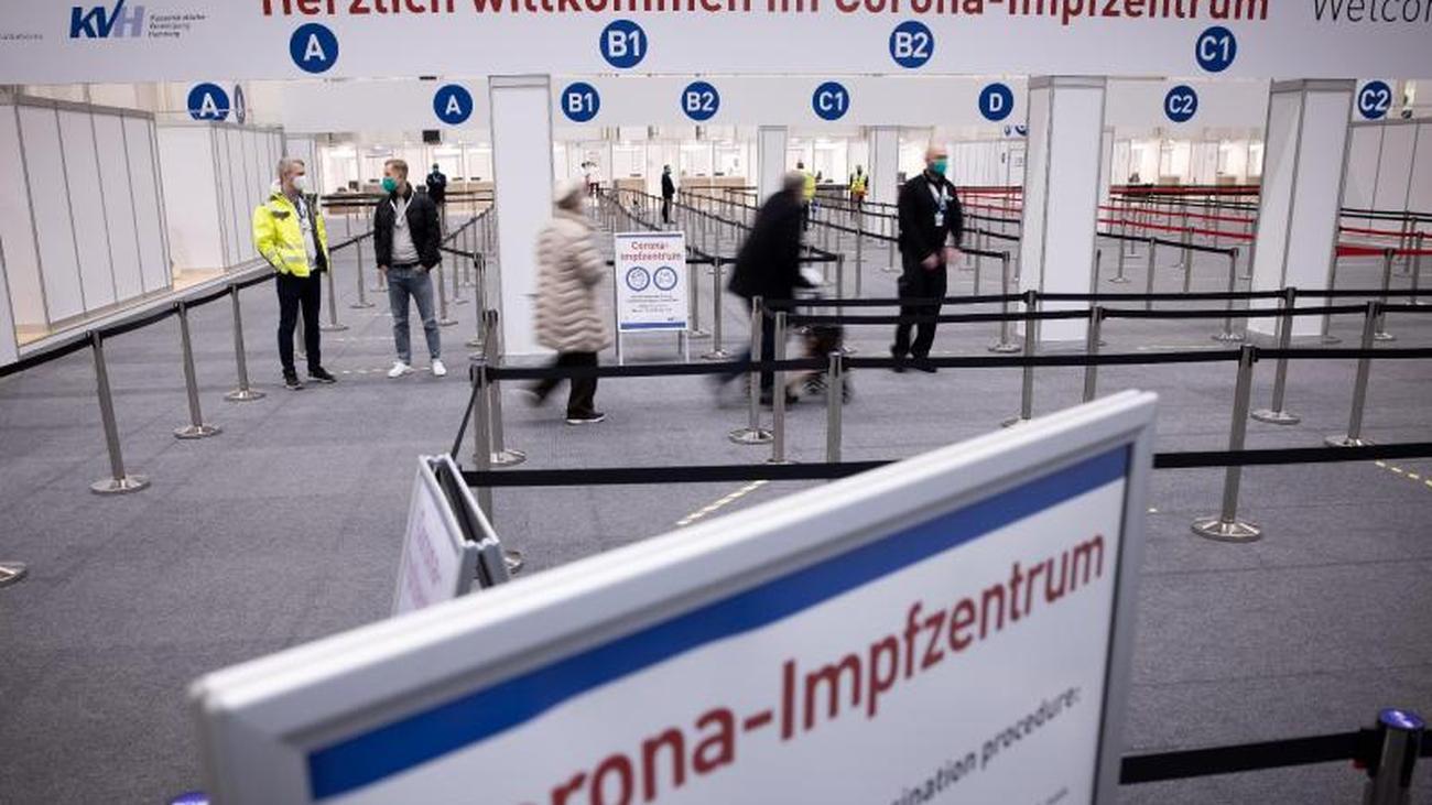 Gesundheit: Schummler versuchen ihr Glück im Hamburger Impfzentrum | ZEIT  ONLINE