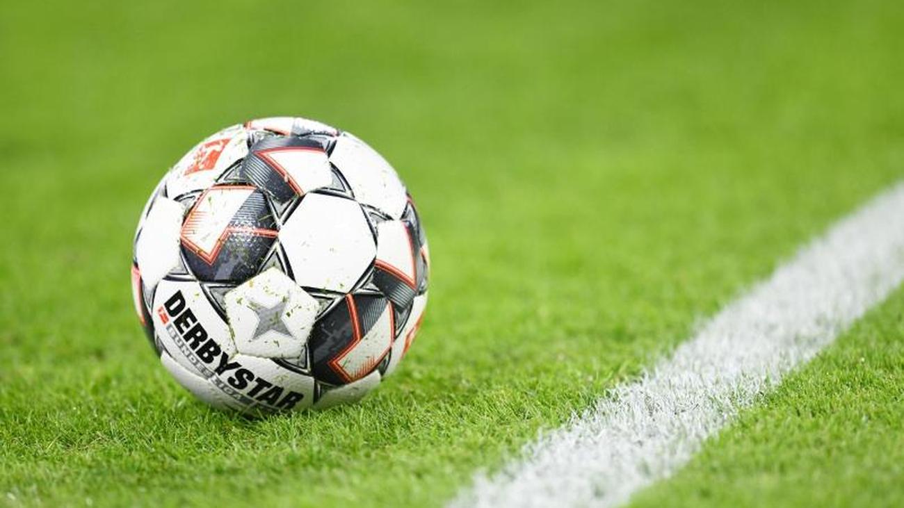 Fußball Saison 2021/17