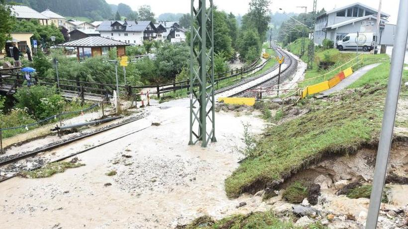 18.07.2021 - ZEIT ONLINE | Zugverkehr im südlichen Oberbayern beeinträchtigt