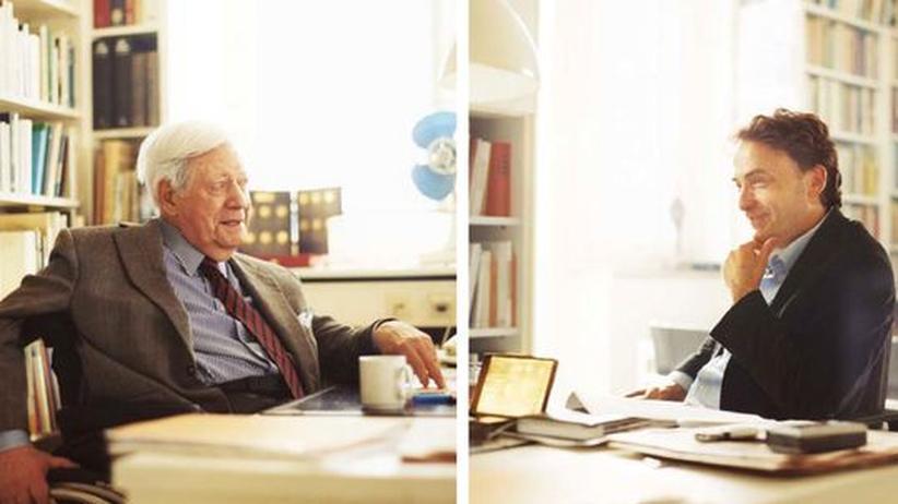 Fragen an den Altkanzler: Helmut Schmidt und Giovanni di Lorenzo im Büro des ZEIT-Herausgebers in Hamburg