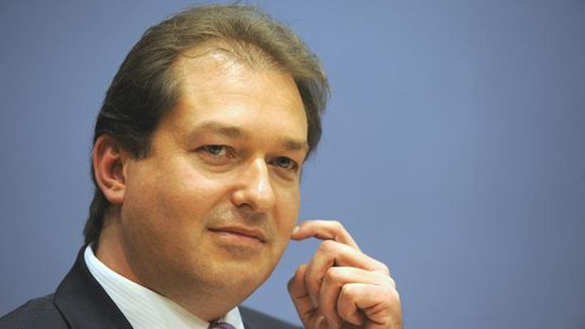 Parteiüberwachung: Dobrindt will Linkspartei verbieten lassen
