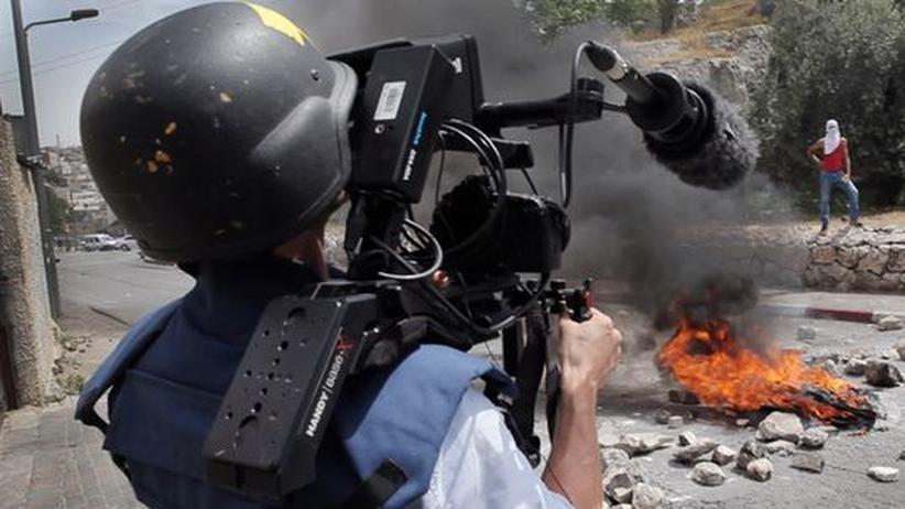 Fotojournalismus: Wie Pressefotos die Wirklichkeit manipulieren