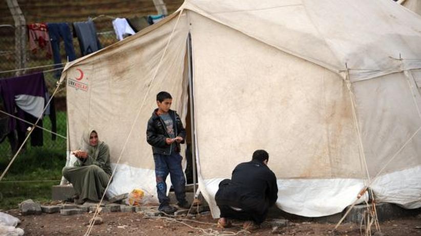 Bürgerkrieg: Syrische Flüchtlinge in einem Lager nahe der syrisch-türkischen Grenze