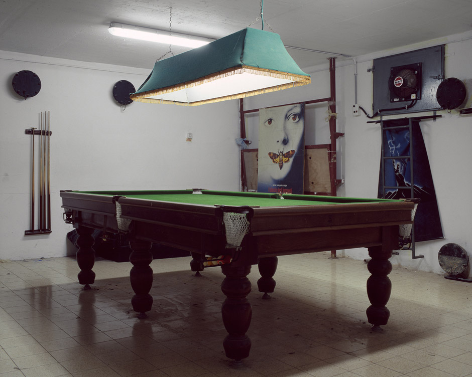Nicht nur bei Alarm ist hier ein Treffpunkt für Jugendliche des kleinen Ortes Hanita. Der Schutzraum ist Teil eines Jugendclubs.