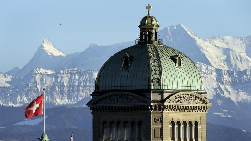 Schweiz für Kinder: Der Turm des Regierungssitzes der Schweiz in Bern