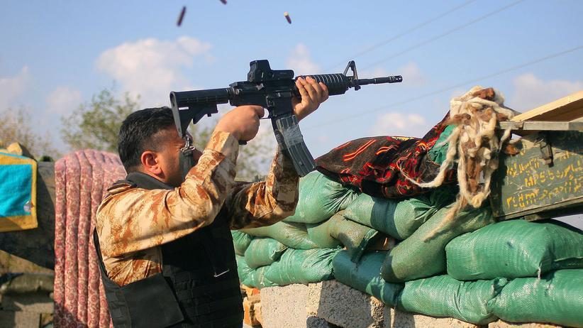 """""""Islamischer Staat"""": Schiitische Milizen bei der Rückeroberung der von der IS eingenommenen Stadt Tikrit."""