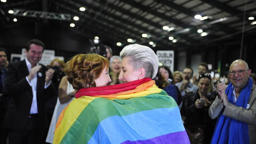 Gleichgeschlechtliche Ehe : Irland ist das erste Land, in dem die gleichgeschlechtliche Ehe per Volksentscheid herbeigeführt wurde.