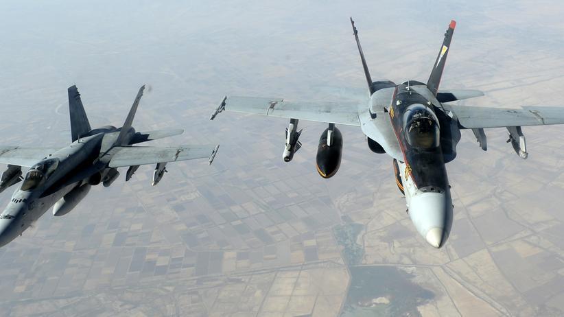 Islamischer Staat: Amerikanische Kampfbomber im Einsatz über dem Irak (Archivbild)