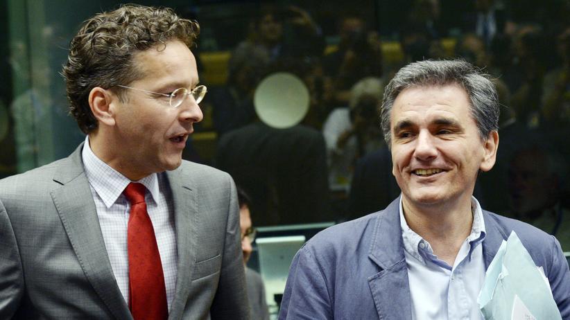 Griechenland: Der niederländische Finanzminister und Eurogruppenchef Jeroen Dijsselbloem mit seinem griechischen Kollegen Euklides Tsakalotos