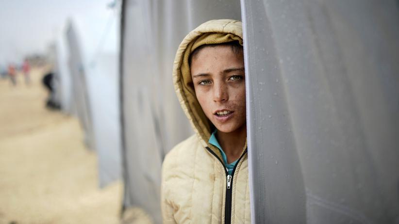 Flüchtlinge: Ein Flüchtling in einem türkischen Lager