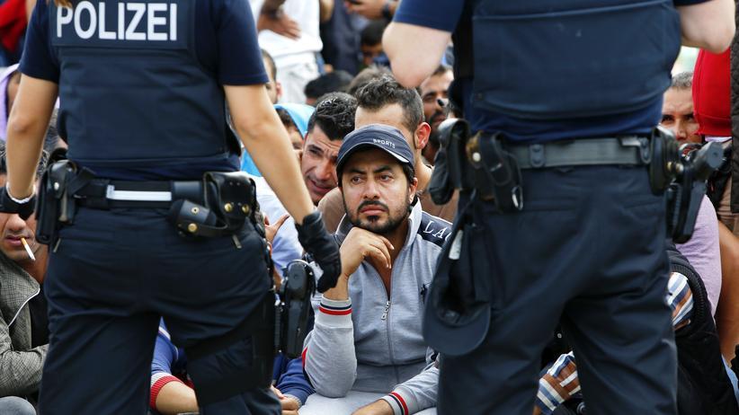 De Maiziére plant Asylverfahren an Landesgrenzen
