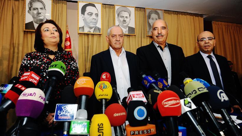 Friedensnobelpreis: Das tunesische Quartett im September 2013. Das Foto zeigt Wided Bouchamaoui vom Arbeitgeberverband UTICA, Houcine Abassi vom Gewerkschaftsbund UGTT sowie Abdessattar Ben Moussa und Mohamed Fadhel Mahmoud.