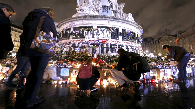 Terror in Paris: Gedenken an die Terroropfer an der Place de la République in Paris