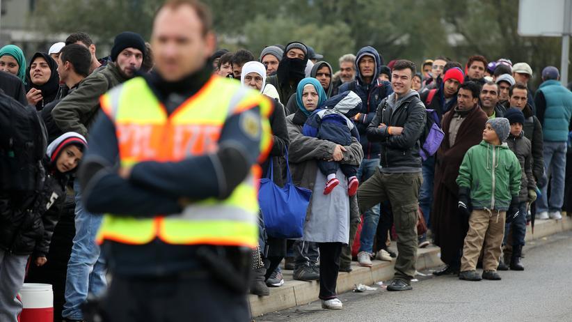 Migration: CSU will Flüchtlinge ohne Papiere nicht mehr ins Land lassen