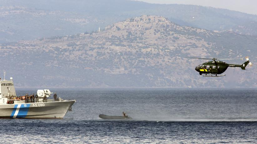 Grenzschutz: Ein Hubschrauber der Grenzschutzbehörde Frontex an der griechischen Küste.