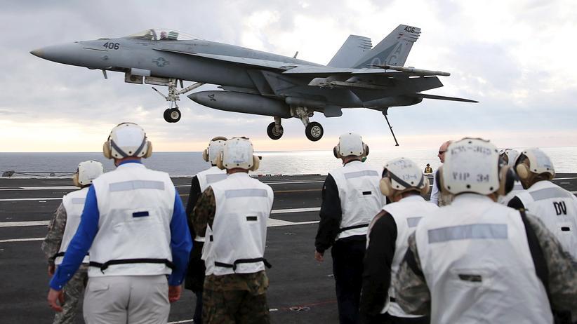 """""""Islamischer Staat"""": Die US-Armee fliegt in Syrien Luftangriffe auf den IS."""