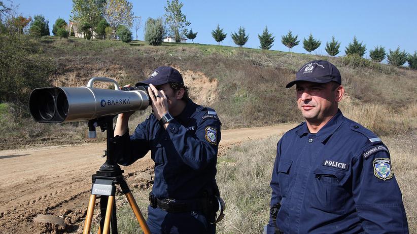 Flüchtlingskrise: Frontex-Polizisten an der türkisch-griechischen Grenze