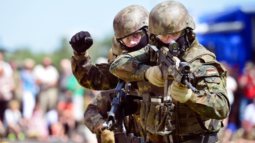 Terrorismus: Deutsche und niederländische Soldaten der schnellen Eingreiftruppe trainieren gemeinsam.