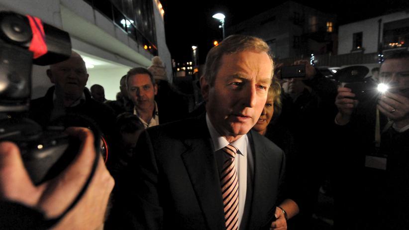 Irland: Die Partei des irischen Ministerpräsidenten Enda Kenny musste herbe Verluste hinnehmen.