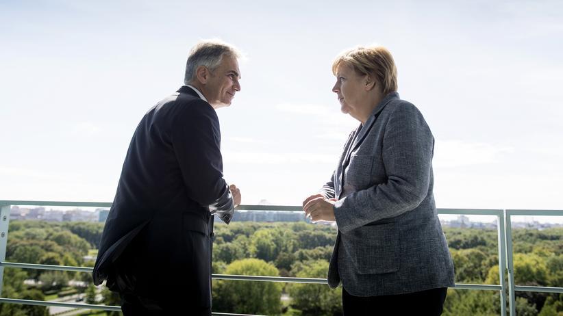 Österreich: Österreichs Bundeskanzler Werner Faymann und Bundeskanzlerin Angela Merkel