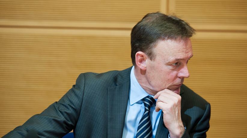 Flüchtlingspolitik: SPD-Fraktionschef Thomas Oppermann fürchtet um die Regierungskoalition.