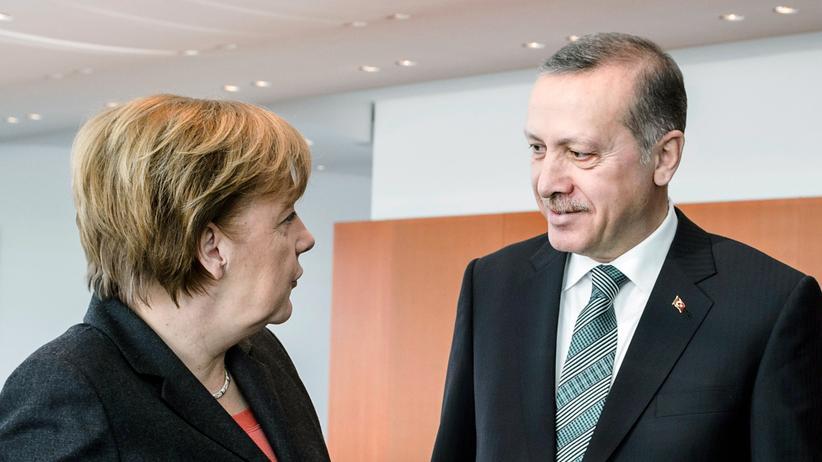 "Jan Böhmermann: ""Merkel kuscht vor Erdoğan"""