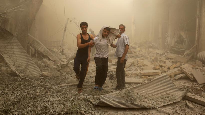 Syrien-Konflikt: Verwundete nach einem Luftangriff auf Teile Aleppos