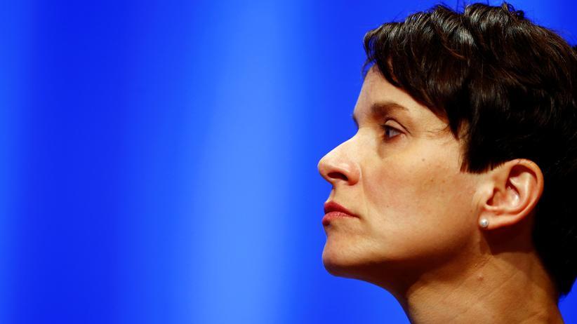 AfD: Frauke Petry auf dem AfD-Parteitag am 1. Mai