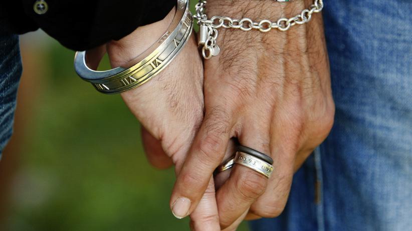 Homosexualität: Insgesamt wurden rund 140.000 Männer nach Paragraf 175 verfolgt.