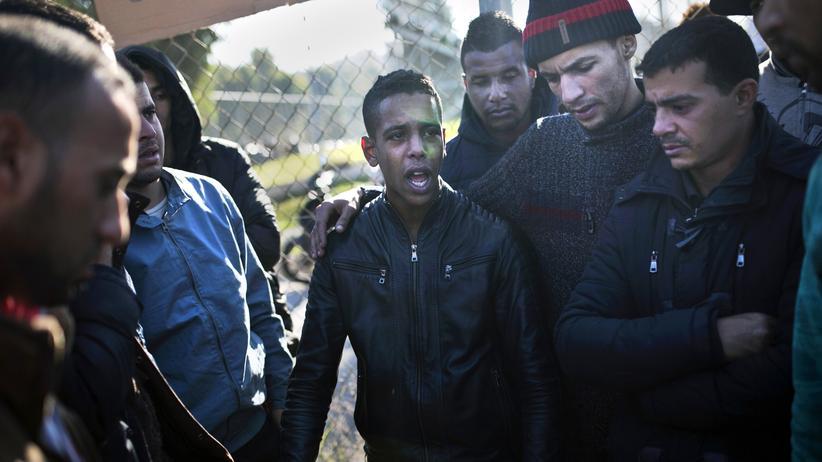 Asylverfahren: Migranten aus Marokko und Algerien in Athen