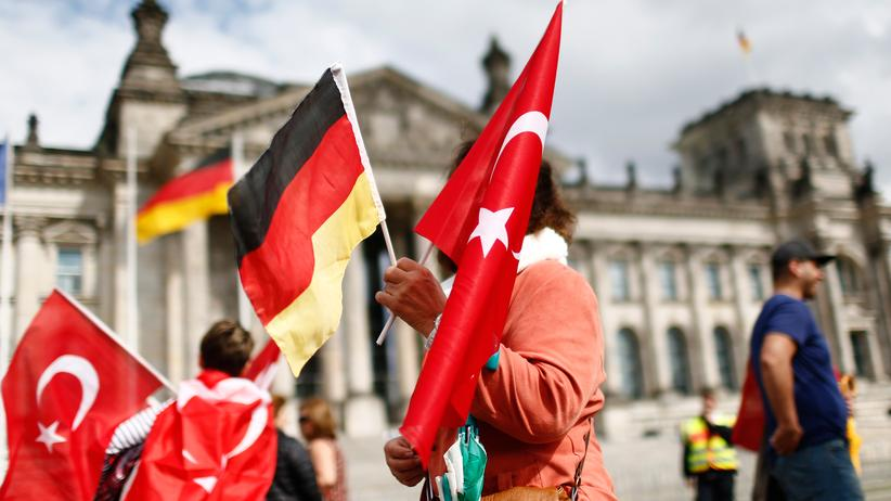 """Armenien-Resolution : Türkische Gemeinde kritisiert """"Politshow"""" im Bundestag"""