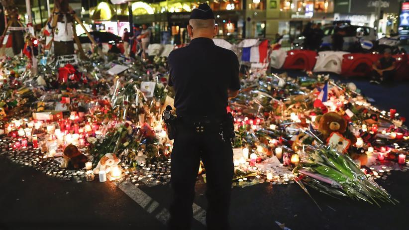 Terrorismus: Gedenken an die Attentatsopfer auf der Promenade von Nizza