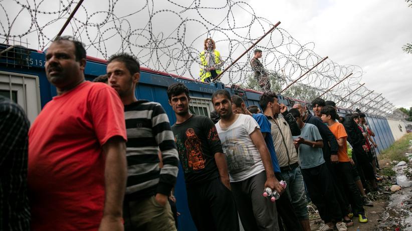 Flüchtlingspolitik der EU: Politiker wollen unsolidarische Länder finanziell bestrafen