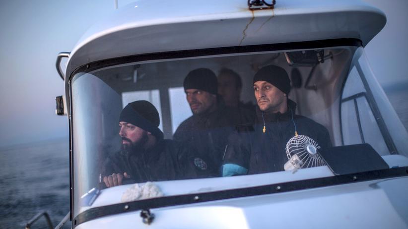Mittelmeer: Ein Team von portugiesischen Grenzern bei einem Frontex-Einsatz im Mittelmeer im März 2016
